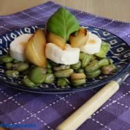 Sałatka z bobu i karmelizowanej gruszki
