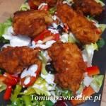 Sałatka z chrupiącym kurczakiem a'la KFC