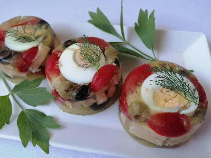 Galaretki z szynką i oliwkami