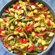 Warzywny kociołek z kurczakiem curry