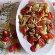 Orecchiette z  białą kiełbasą , pomidorkami i rozmarynem
