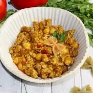 Curry z mięsem mielonym i ciecierzycą