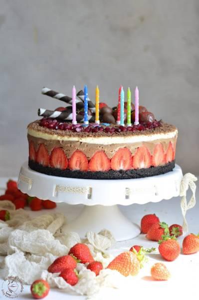 Tort potrójnie czekoladowy (bez pieczenia)
