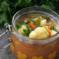 Zupa jarzynowa z curry i mleczkiem kokosowym