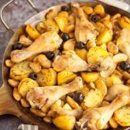 Casserole z kurczakiem, fasolą i ziemniakami. Przepis na pyszną zapiekankę