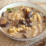 Sekret pysznej zupy grzybowej. Z tego przepisu wychodzi najlepsza