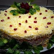 Tort sałatkowy z szynką – hit każdej imprezy