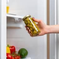 Nieprzyjemny zapach z lodówki – jak się go pozbyć?