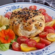 Camembert zapiekany w cieście francuskim
