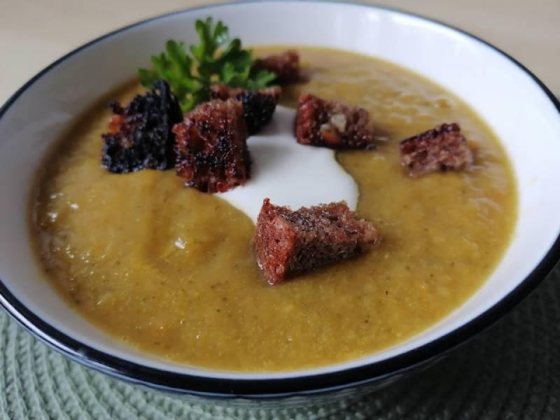 Zupa paprykowo-ziemniaczana