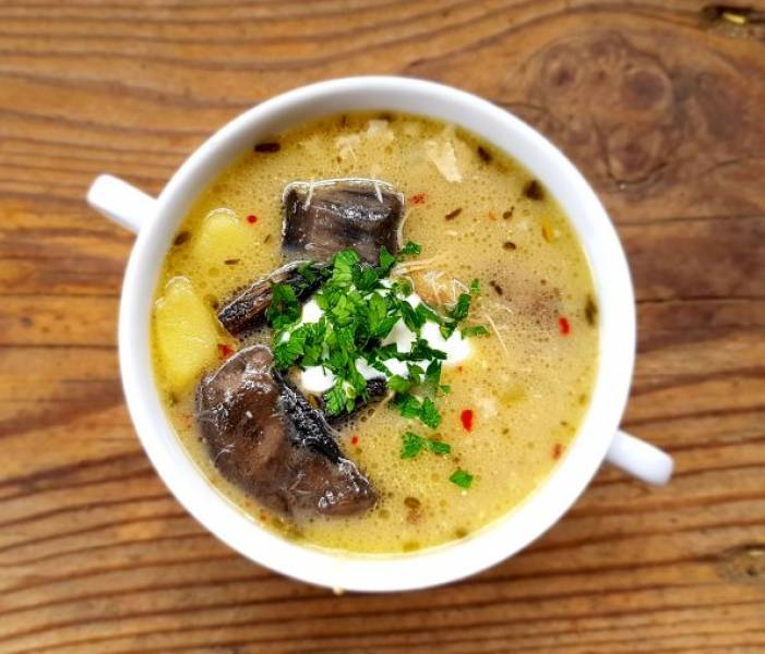 Zupa z grzybów leśnych na białym winie w 2 wydaniach