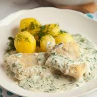 Ryba w sosie śmietanowo-koperkowym. Przepis na obiad z rybą, który lubią u nas wszyscy