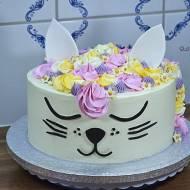 TORT KOT – tort z kremem kinder bueno
