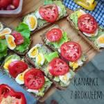Kanapki z pastą brokułową, jajkiem i pomidorem