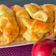 Rogaliki serowe z jabłkami – proste i pyszne!