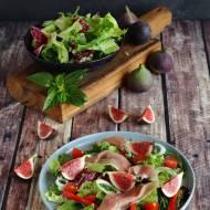 Włoska sałatka z szynką Prosciutto i figami