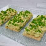 Pasta z awokado z tuńczykiem, ogórkiem konserwowym i jajkiem + film