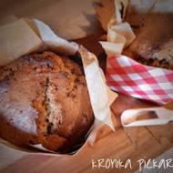 Muffiny XXL z orzechami,  czekoladą i syropem klonowym