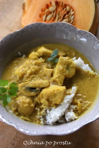 Curry z kurczakiem, dynią i pieczarkami