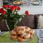 Ciastka francuskie z serem i jabłkami