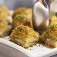 Bałkańska Baklava z pistacjami i orzechami włoskimi