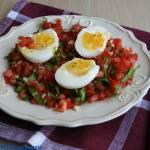 Jajka na salsie z pomidorów