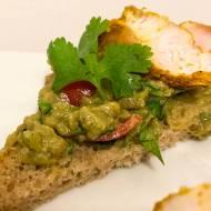 Kanapki z indykiem w curry i guacamole