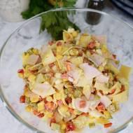 Sałatka z szynką i serem w plastrach