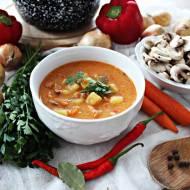 Jesienna zupa węgierska z pieczarkami i ziemniakami
