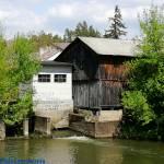 Zabytkowy młyn wodny w Nowych Kozubach, uroki rzeki Grabi woj. łódzkie