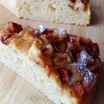 Ciasto ucierane na kefirze z jabłkiem i brzoskwinią