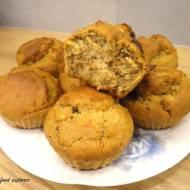 Muffinki orzechowe z czekoladą