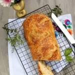 Domowy chleb z chrupiącą skórką